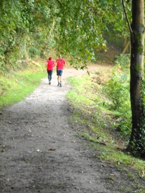 RunnersOnWoodlandTrack