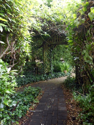 Walkways (Ocklynge Manor)
